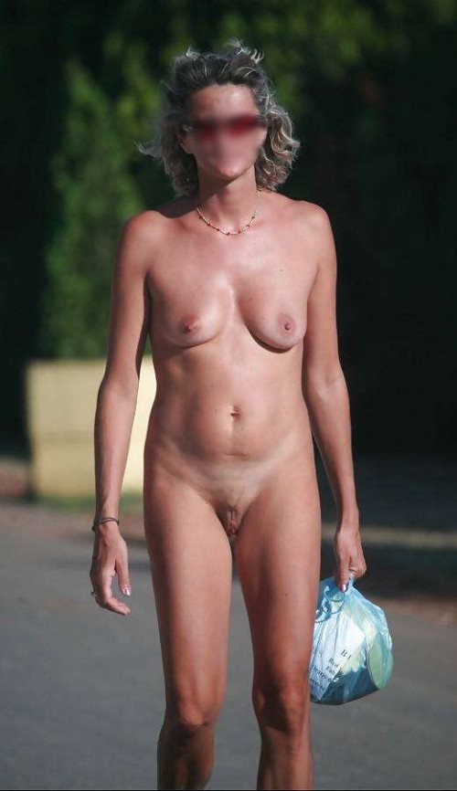 exhibe d'une nudiste mature